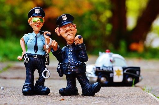 Sind die echt? 3 sichere Tipps, wie Sie falsche Polizisten am Telefon erkennen